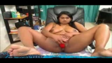 Chubby Indian Babes fingers herself on webcam