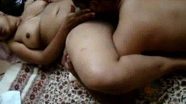 Hot moans of desi bhabi free porn MMS video