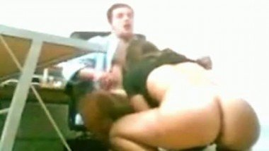 Sexvideo of round ass office secretary