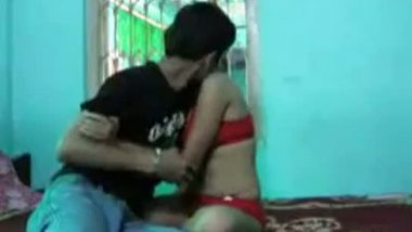 Sexy girl satisfying horny bf in bed