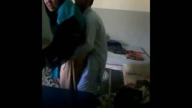 Manama Bahrain muslim house wife doing sex with next door guy