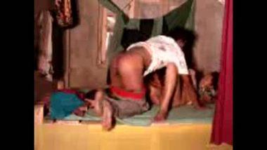 Desi hidden cam sex of village aunty fucked by young devar
