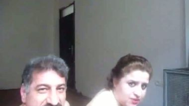 Dubai house wife hardcore sex with hubby's friend