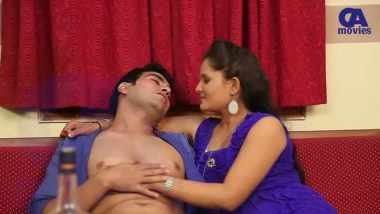 Bollywood desi actress hottest smooch with director