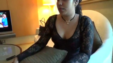 Famous desi escort girl first time exposed her face