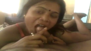 Mature Ranchi wife enjoys home sex with husband