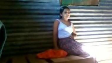 malyali girl naked show for boyfriend