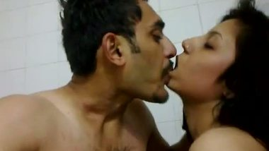 Muslim teen Indian shower sex with lover