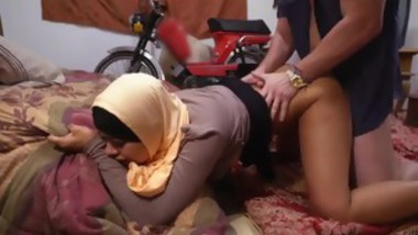 Indian muslim girl having an orgasm 7