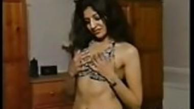 Indian Retro Porn Sexy Girl Mitali Masturbating With Vibrato