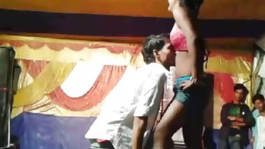 couples dance in stage