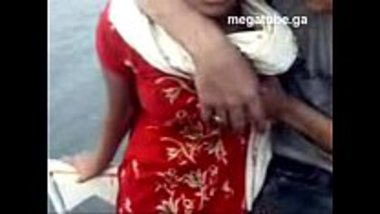 Desi village girl's boobs pressed in a boat trip