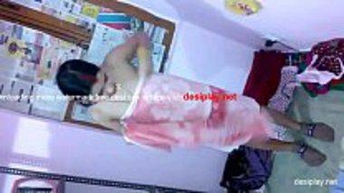 Sexy Marwadi bhabhi preparing for a bath