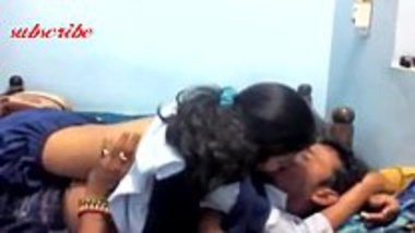 Indian hot viral video showing a sexy school girl