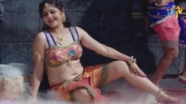 NAVEL - Vinave Chandrakala Song _ Swarnakhadgam _ 13th July
