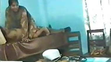 Bengali doctors in hospital (90s scandal)