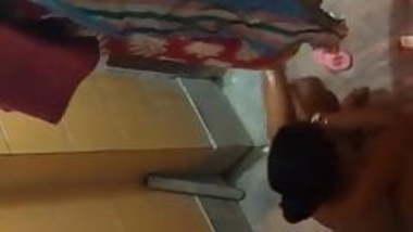 Indian Neighbor Aunty caught Bathing by hiddencam