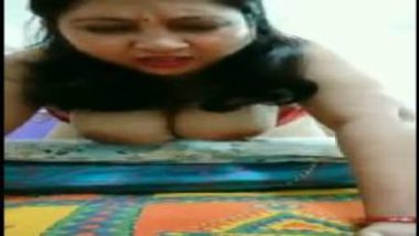 Kanpur Aunty's Huge Boobs Dancing During Anal Sex