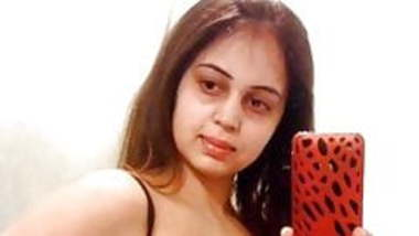 desi bhabhi take selfie for boyfriend