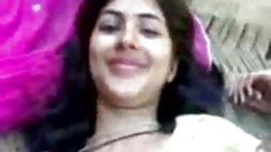 ye hindu girl ham muslman par bhrosha karke randi ban jati h