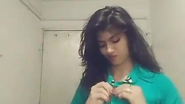 Girl in green shirt big tits Big Tits T Shirt No Bra Indian Porn