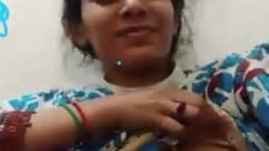 Cute Paki Girl Showing Her Boobs On VC